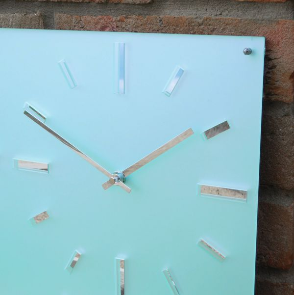 Roco Verre Custom Frosted World Timezone clock